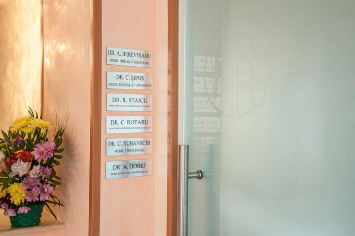 Echipa de medici a Stomproced va ofera tratamentele de care aveti nevoie